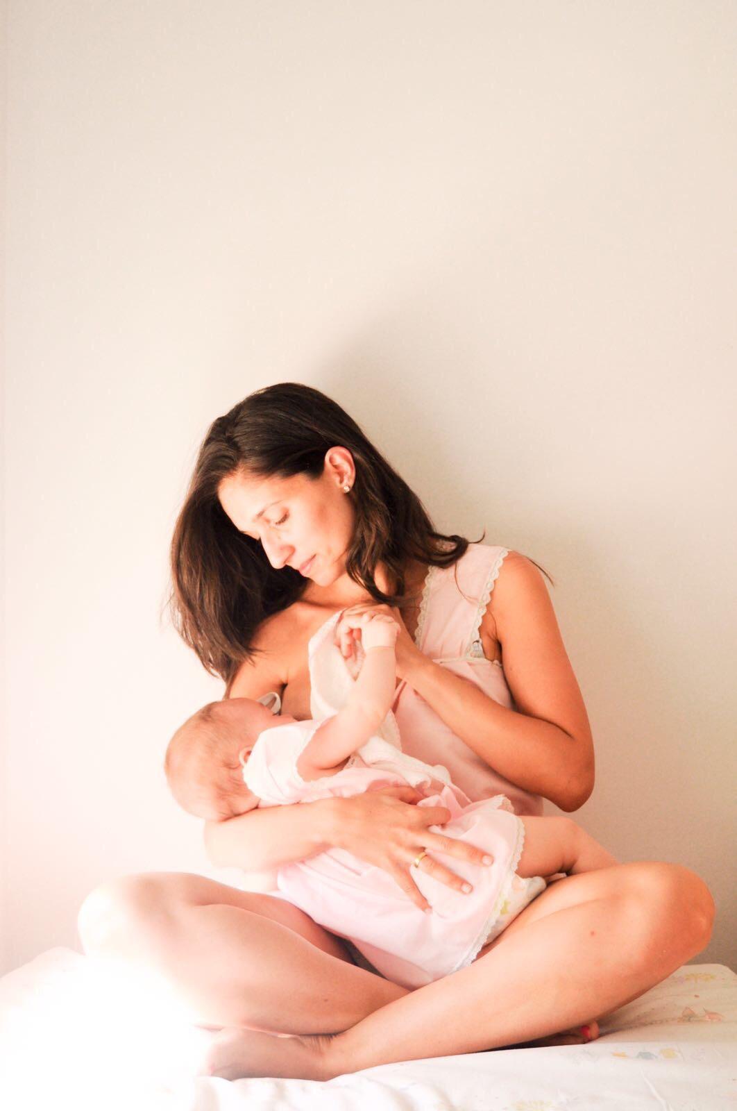 Criar en brazos